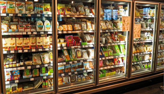 image of a reach-in fridge used in a supermarket