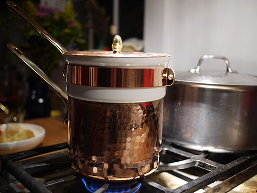 image of a Bain Marie on a stovetop